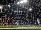 Da fuori area, di testa, su punizione, in contropiede: la Lazio segna in tutti i modi